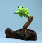 Light Green Tree Frog Sculpture